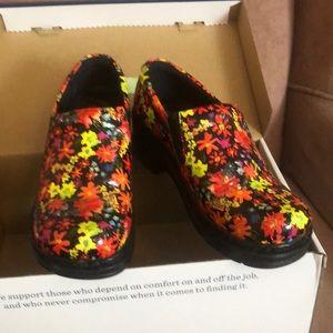 Klogs Naples Nurse Shoes